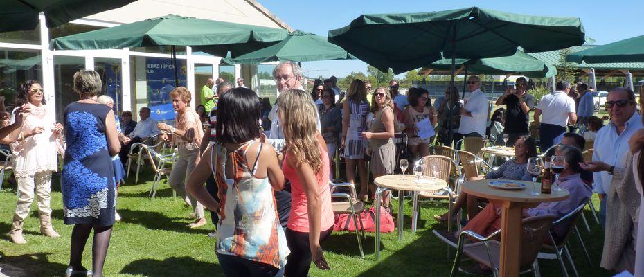 e45625a77 Hasta el día de hoy, se continua con la tradición de nuestro Club  celebrandose campeonatos de juegos de mesa, cenas baile en los salones, ...